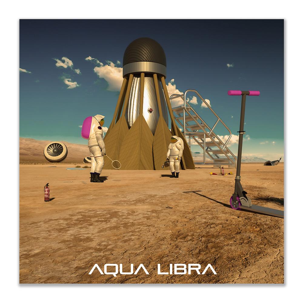 Foto met daarop twee astronauten in de woestijn. Er wordt van een badminton shuttle een spaceshuttle gemaakt.